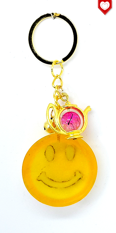 Anhaenger Smiley Gold Resin 03